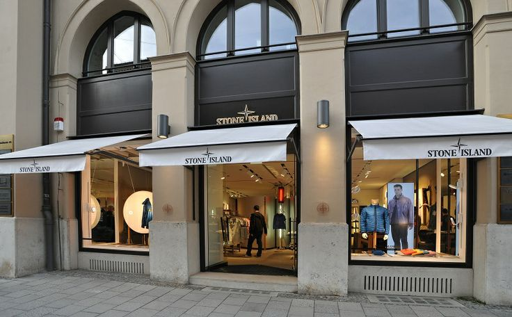 Here are the pictures of the Cocktail that has been held on the 15th February at the Stone Island Flagship Store in Munich, in Maximilianstrasse 27 .