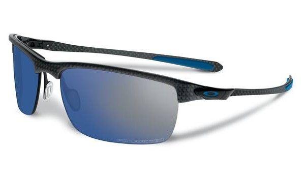 OAKLEY Carbon Blade Matte Satin Black Ice Iridium Polarized napszemüveg. Színes lencsés férfi napszemüveg, mely a speciális műanyag keret mellett egy szénszálat is tartalmaz, mellyel biztonságosabban viselhető. Igazi sportnapszemüveg, mely védi a szemet a káros sugárzásoktól. KATTINTS IDE!