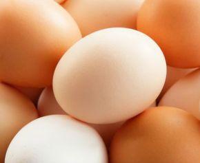 Czy jajka są zdrowe? Jakie mają właściwości? Czy podwyższają cholesterol?