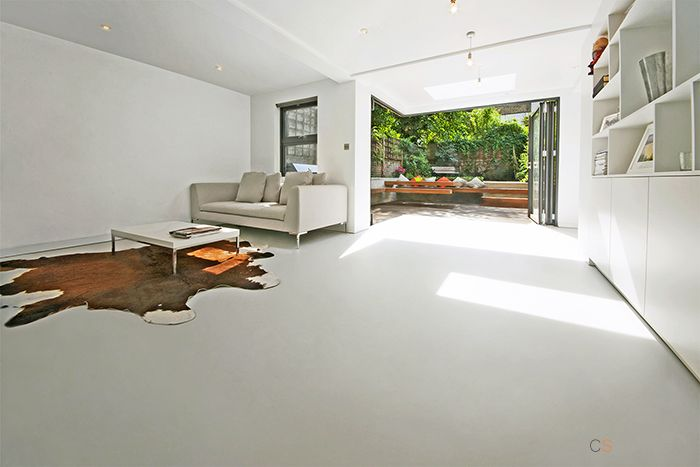 Seamless resin flooring for contemporary living