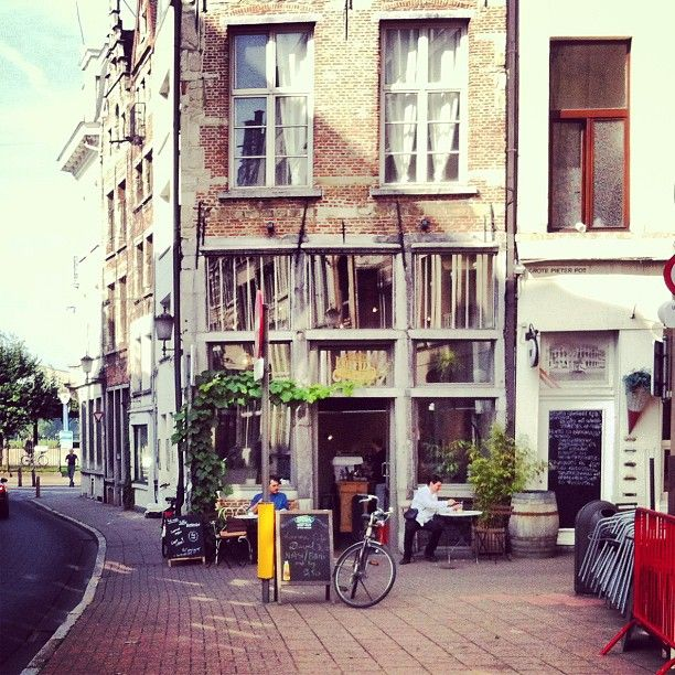 Kolonel Koffie, Antwerp