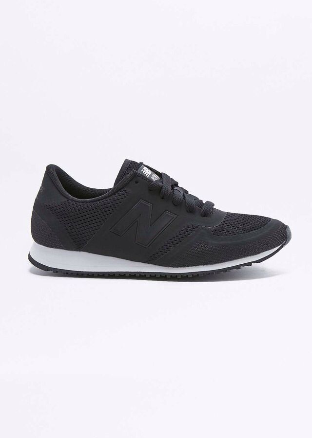 Urban Outfitters - New Balance 420 Black Mesh Trainers