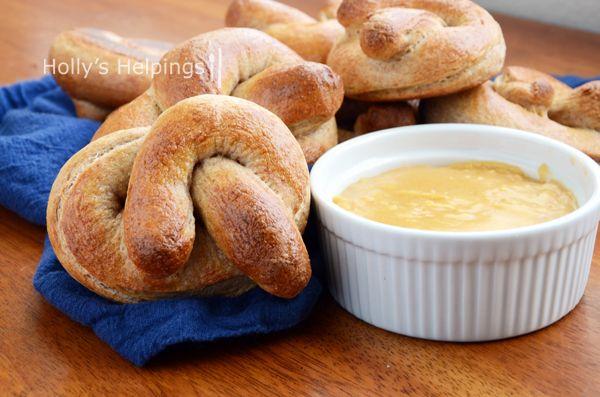 Honey Wheat Pretzels and Beer Cheese Dip #pretzels #recipes