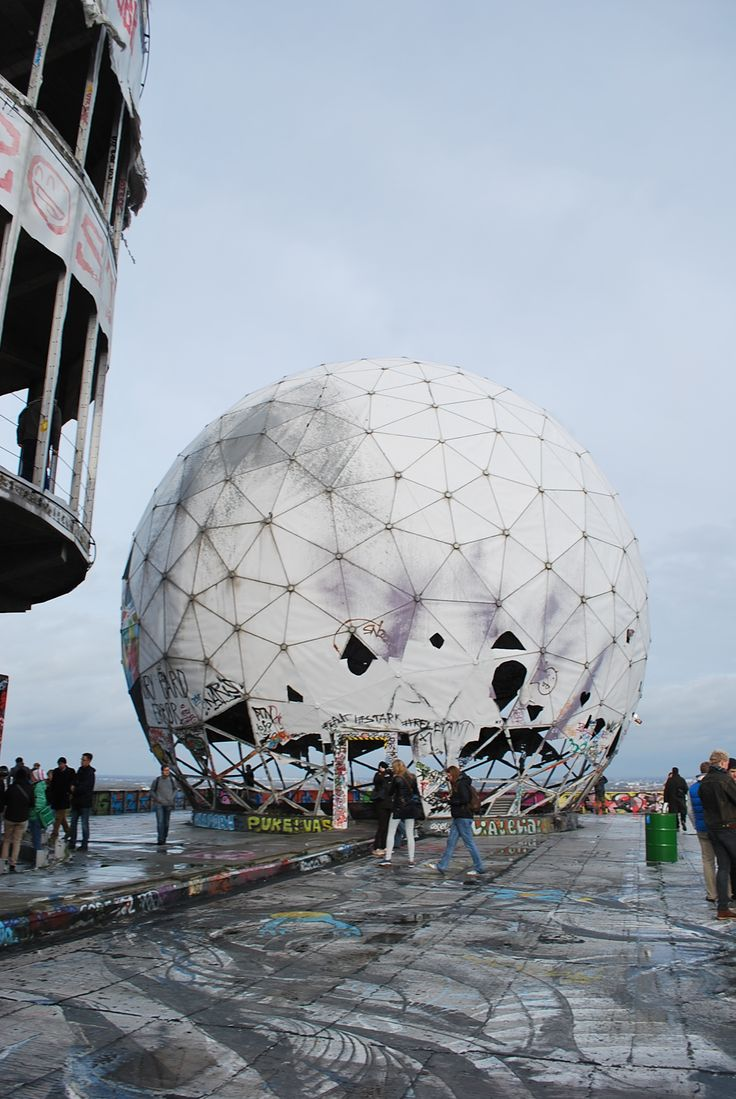 Take a Tour of Teufelsberg, Berlin's Abandoned NSA Listening Station | Motherboard
