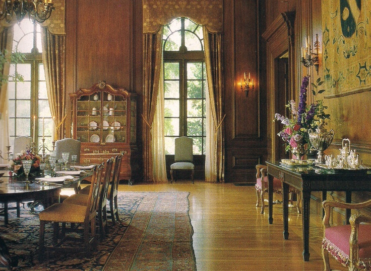 The Dining Room of Filoli as decorated by Anthony Hail. Photo: John Vaughan  for  Holiday TraditionsInterior ArchitectureInterior DesignHouse ...