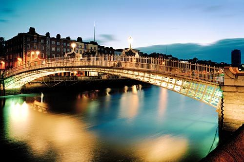 Dublin, Ireland: Ha Pennies Bridges, Buckets Lists, Favorite Places, Hapenni Bridges, Dublin Ireland, Beautiful Places, Places I D, The Bridges, Ireland Dublin