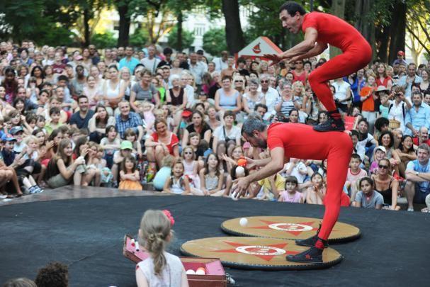 Scène de rues, festival de théâtre de rue, à #Mulhouse #Alsace