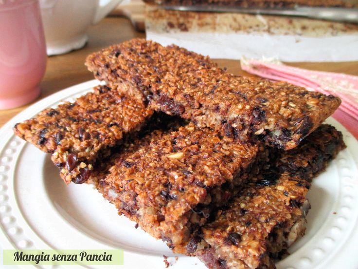 Le barrette quinoa, cereali e cioccolato sono un pieno di energia ma non di calorie. Sono dolci al punto giusto e perfette per i palati più golosi.