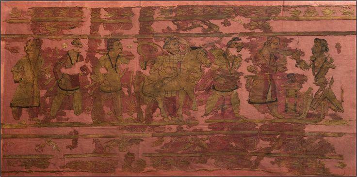 """Hunnish textile from Noin Ula of Kurgan VI Yak fights beast Northern Mongolia 1st c BC.. Noin Ula Kurganında bulunan Textil parçaları üzerinde Türk Hun Kağan ve Beyler tasvir edilmiş..Mantar Yeniden Doğuş ile alakalı bir simgedir. Türk Şamanlar esrimeli gökyüzü yolculuklarında Mantar kullanırlar. Antropolog John Rush'a göre Sibirya Şamanizminde Kutsal olarak kabul edilir ve """"Hediye"""" olarak verilirdi. En sağda Kağanın ya da Beyin elinde """"Mantar"""" sembolü kullanılmış. Ve sanırım """"Hediye"""" olarak…"""