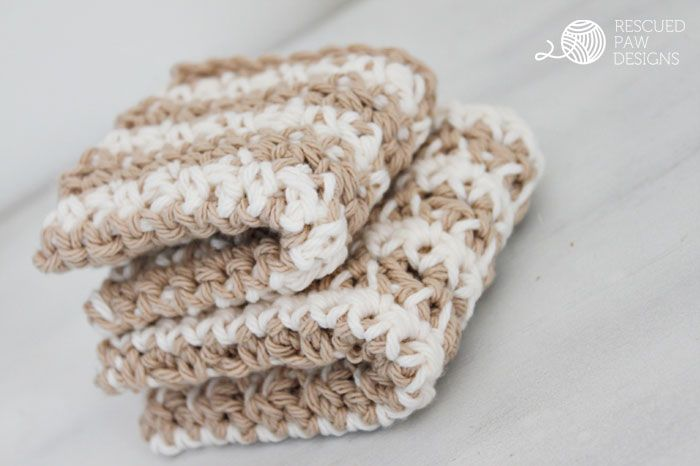 Learn how to make the best dishcloth ever by Rescued Paw Designs. Click to Read or Pin and Save for Later!