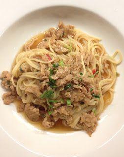 Simple avec des spaghetti au poulet et à la citronnelle