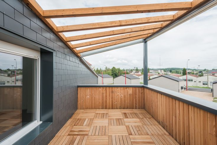 les 25 meilleures id es concernant toiture ardoise sur pinterest toit en ardoise tuile. Black Bedroom Furniture Sets. Home Design Ideas