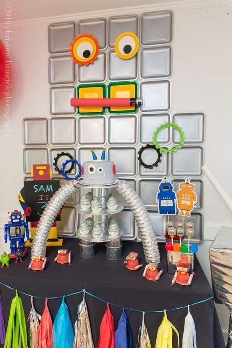 Fantastic robot birthday party! See more party planning ideas at http://CatchMyParty.com!