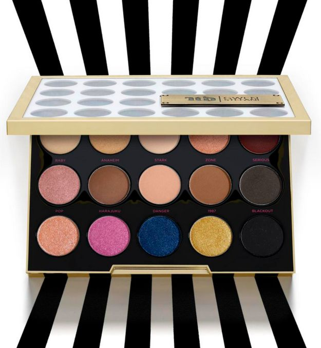 JUST LOOK AT THE BEAUTY. | Urban Decay Released A Gwen Stefani Palette, People Are Losing Their Minds