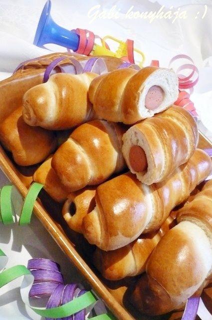 Gabriella kalandjai a konyhában :): Szilveszteri hot dog - nem csak szilveszterkor :)
