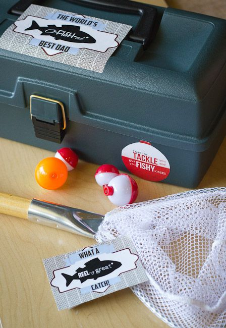 O-FISH-al Best Dad – Fathers Day Gift for Fisherman-Tackle box full of fishing goodies with free printable labels!