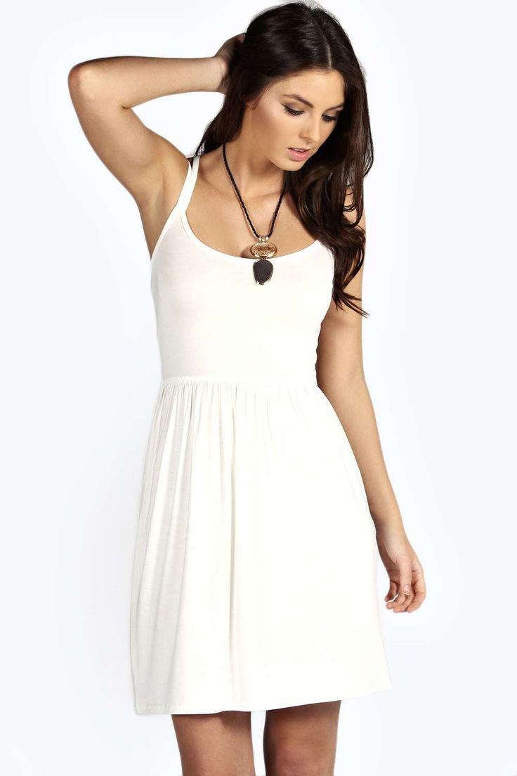 59 best Kleider images on Pinterest | Ballroom dress, Long prom ...