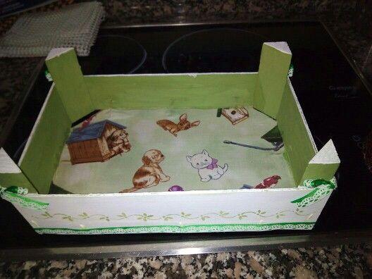 Cajas de frutas recicladas y decorada