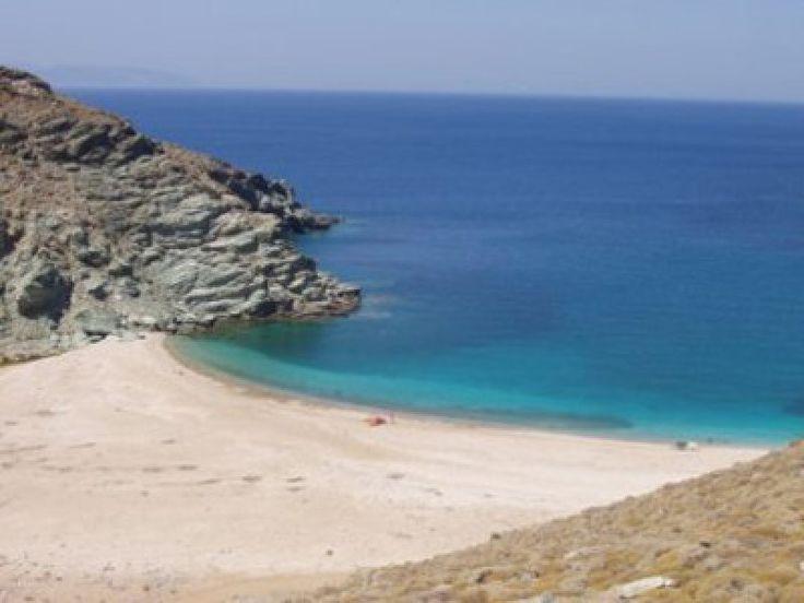 The beach of Peza