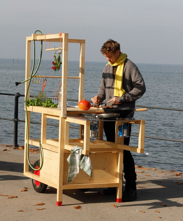 Mobile kitchen by Austrian designers at chmara.rosinke. Can the cute designer demonstrate this at my backyard?