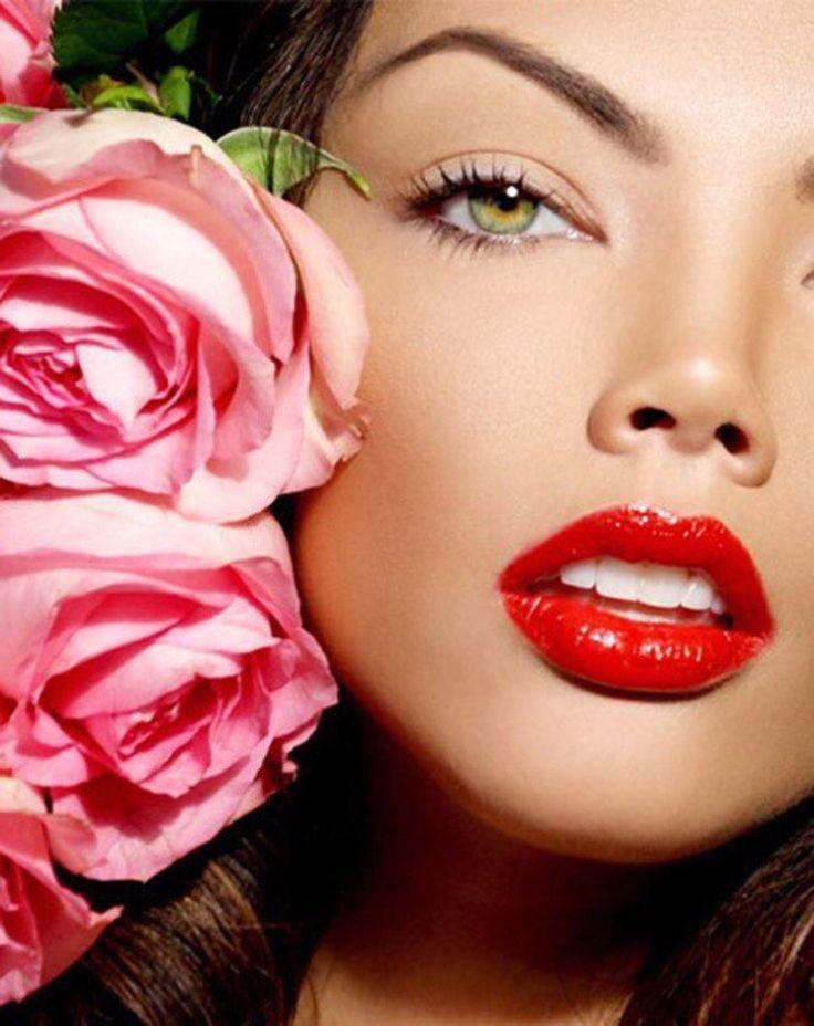 http://happiness-kzn.ru/  ОКРАШИВАНИЕ РЕСНИЦ И БРОВЕЙ ХНОЙ  Окрашивание бровей и ресниц хной позволяет улучшить здоровье волосков как бровей так и ресниц, что в свою очередь является отличной профилактикой и «разрядкой» после постоянного использования различных менее натуральных средств для макияжа.  Самое главное отличие от обычной окраски, это то, что цвет на волосках держится до 6 недель.  Плюсом данной процедуры так же является то, что она создает эффект татуажа, который держится на коже…