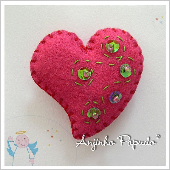Be my Valentine. Pink Heart Brooch. by anjinhopapudoshop on Etsy.