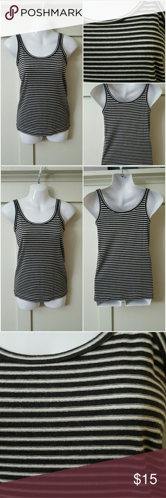 Banana Republic Small Gray White Silver Cami Banana Republic small gray, white, and metallic silver striped cami. Pre-owned and in good condition. 85% Cotton 9% Spandex 8% Other fibers Banana Republic Tops Camisoles
