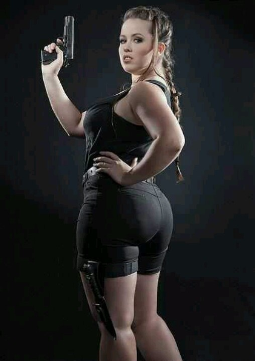 Sexy Lara Croft Tomb Raider Cosplay Laura Croft & Hit