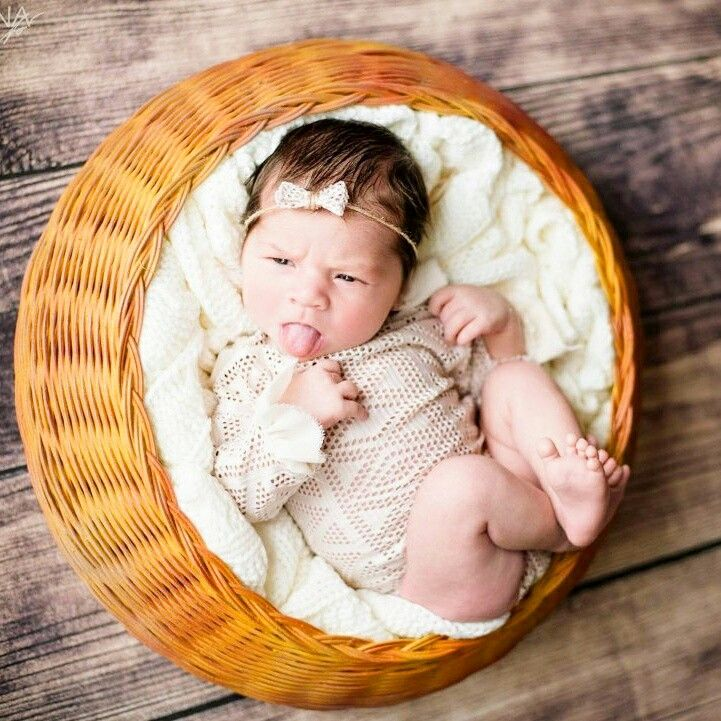 Baby time 💗 košík z přírodního pedigu na focení ke koupi na goo.gl/rdK3V2 👶  #vavavu #vavavumarket #jaro #slunicko #jenjeden #prodavej #nakupuj #pomahej #handmade #love #handmadewithlove #dnestvorim #dnesnosim #vyrobenorucne #rucniprace #laska #trziste #pomahejkoupi #darek #trending  #oneofakind #cute #tbt #beautiful #unique