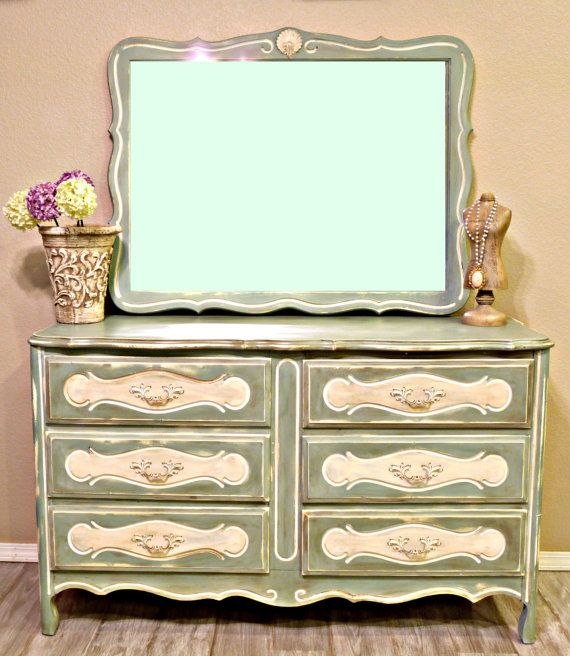 : Paintings Furniture, Distressed French, Paintings Ideas, Furniture Paintings, French Dressers, Chalk Paintings, Diy French, Diy Dressers, Baby Girls Nurseries