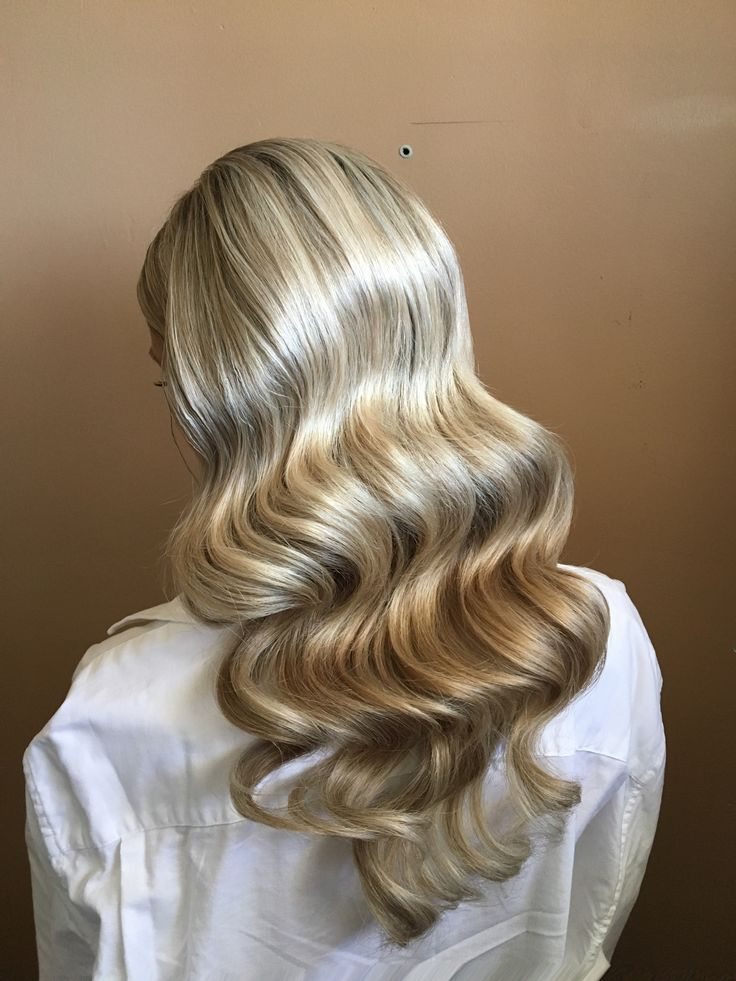 FrenchEconomie ™ ️ Hairstyles & Hair Colors Spring 2019: Long blonde finger waves in vintage look www.fren ...