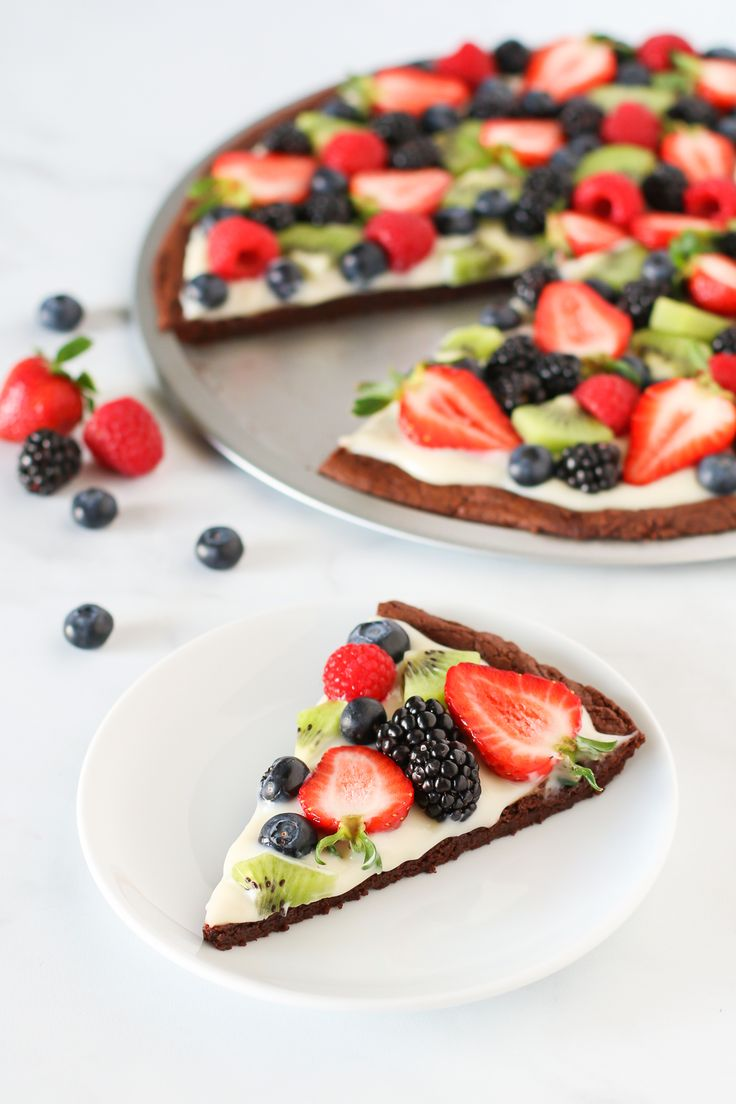 Gluten free vegan brownie fruit pizza
