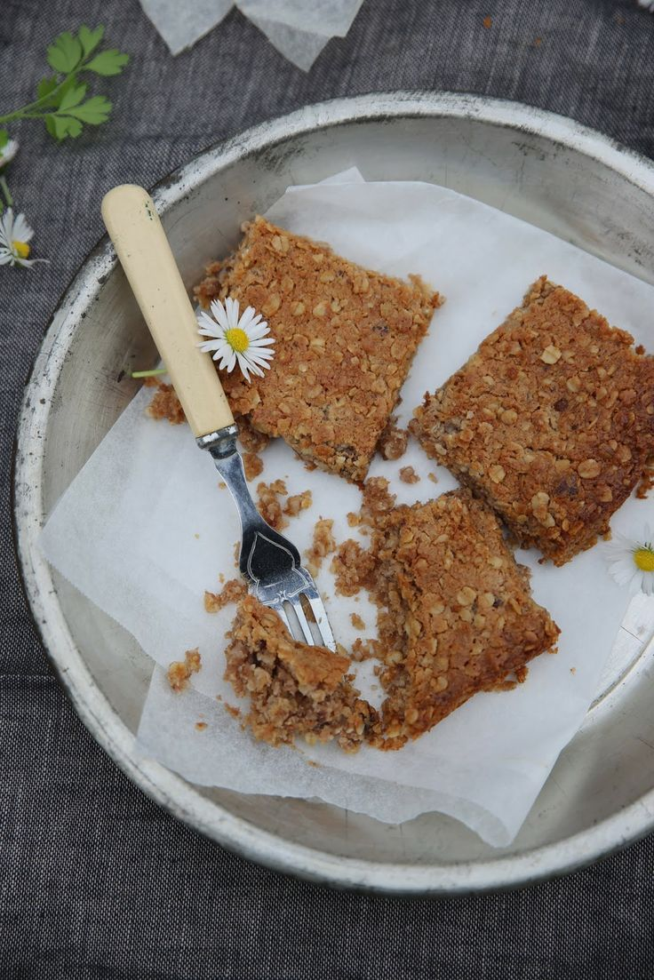 petite kitchen: chewy oat and jam slice