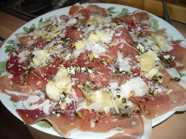 Italiaanse Salade Met Rauwe Ham En Artisjokharten recept   Smulweb.nl