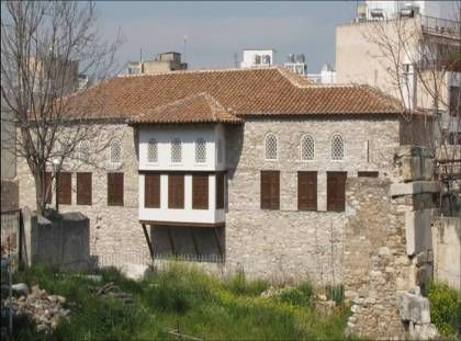 Το Αρχοντικό Μπενιζέλων επί της οδού Αδριανού 96 στην Πλάκα,  είναι η παλαιότερη σωζόμενη οικία της Αθήνας κι ένα από τα σημαντικότερα δείγματα αρχοντικού των οθωμανικών χρόνων.  Η κύρια φάση του ανήκει στα τέλη του 17ου με αρχές του 18ου αιώνα και η παλαιότερη στον 16ο - 17ο αιώνα. Ανασκαφές στον αύλειο χώρο και το ισόγειο του κτιρίου έφεραν στο φως τμήμα του υστερορρωμαϊκού τείχους της Αθήνας. Εδώ το 16ο αιώνα γεννήθηκε και έζησε η Παρασκευή Μπενιζέλου,  η Αγία Φιλοθέη…