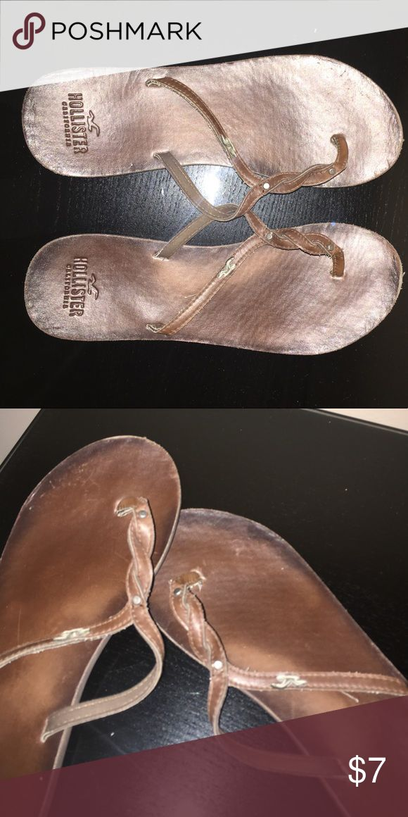 HOLLISTER SANDALS Casual slip on sandals! Made of the comfiest material & a great summer color. Was barely worn! Hollister Shoes Sandals