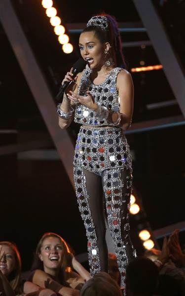 Miley Cyrus Mirror Outfit VMA's