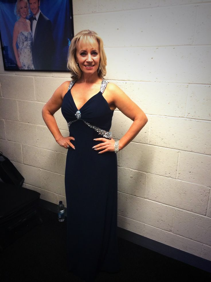 Karen Barber wearing a Gino Cerruti sexy and sophisticated dress on Dancing on Ice tonight on ITV! She Loves it so do we!