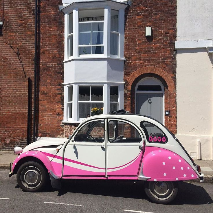 #arundel how we love you #polkadots #sussexpoultry #deauxchevaux #2cv  #dolly