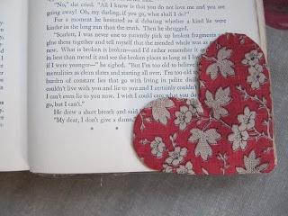 Sew Many Ways ...: Tool Time dimarts ... Tela Cor Bookmark