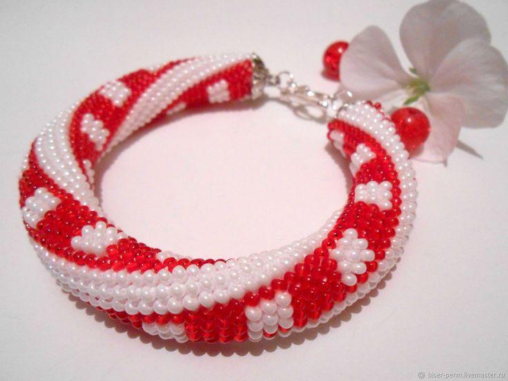 Купить Красно-белый браслет из бисера в интернет магазине на Ярмарке Мастеров