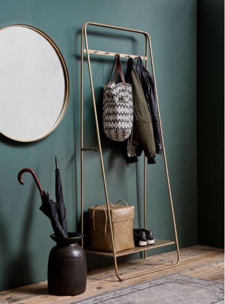 Design Garderobe aus Metall in Schwarz