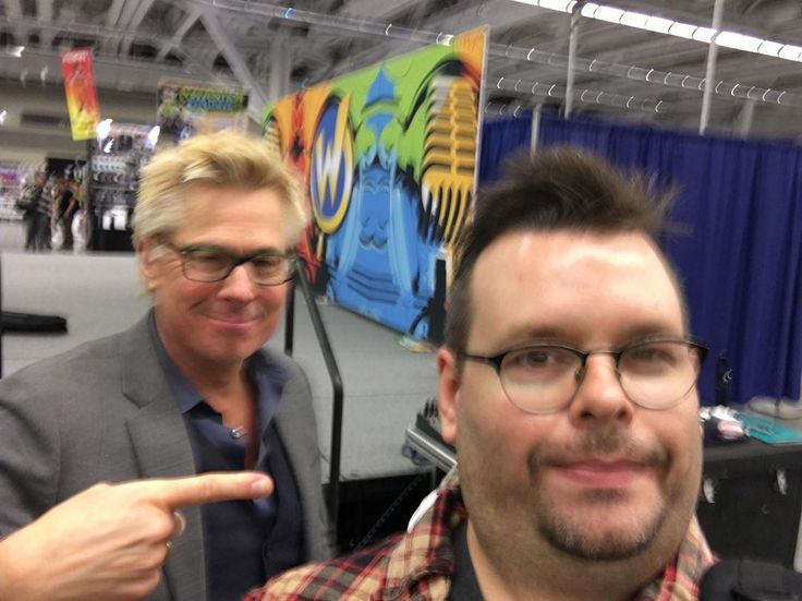 I seldom take selfies (and it shows) but I had to take one with the one and only Kato Kaelin at Wizard World Cleveland. #katokaelin #wizardworld #geraldbiggerstaffphotography - Use code witblade at checkout for 10% off Wizard World 2018 tickets!