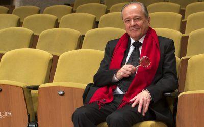 Carlos Villa