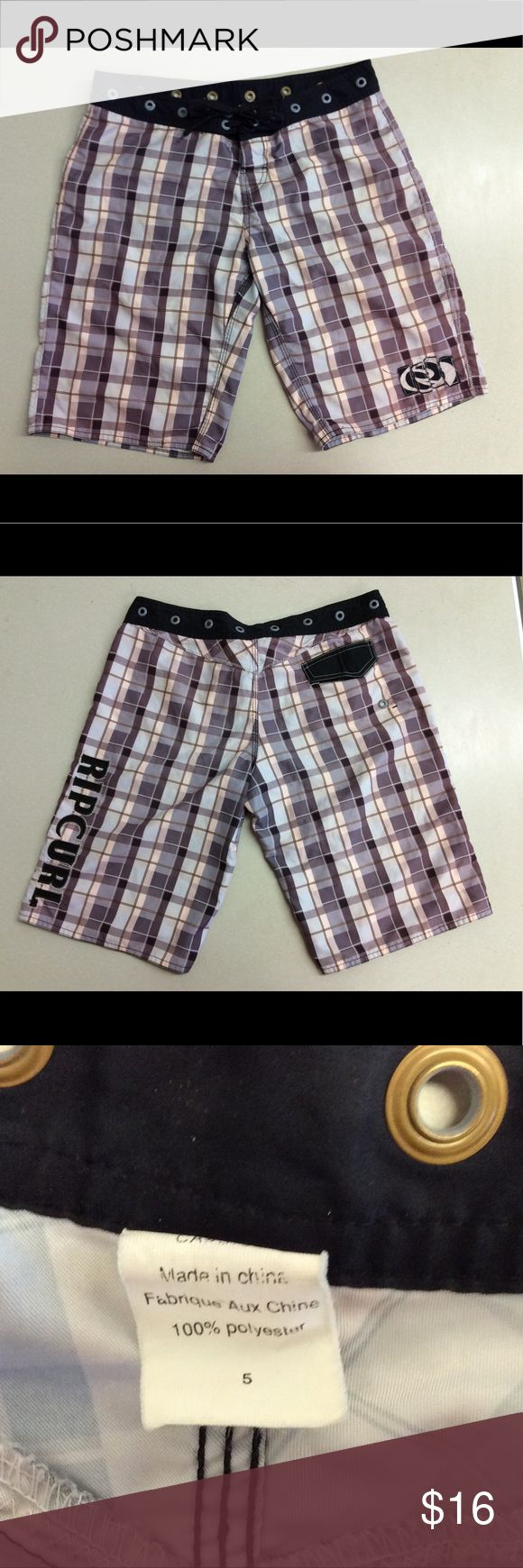 Rip Curl Boardshorts Rip Curl Boardshorts   14 rivets that go around the waistband. It is a cool look.   Size - 5   Color - Brown Rip Curl Shorts Bermudas