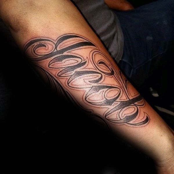 60 Namen Tattoos Fur Manner Schriftzug Design Ideen Mann Stil Tattoo Outer Forearm Tattoo Names Tattoos For Men Forearm Tattoo Design