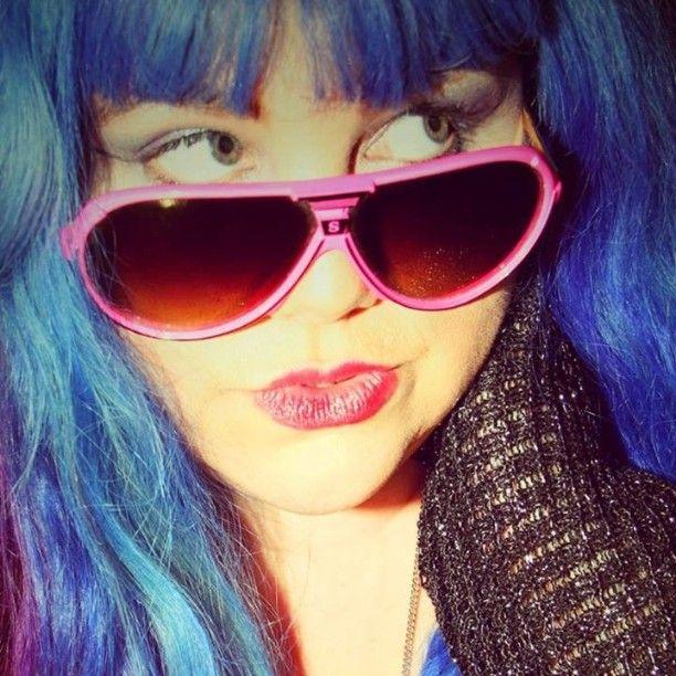 Photography shoot with photographer Lisa Reeve. www.lisareeveart.com sneak peek.... #lisareeveart #lisareevephotography #charlottefarhanart #photography #photoshoot #beautyshoot #bluehair #fashionshoot #fashion #portrait #artist #artsaveslivesinternational #artsaveslives