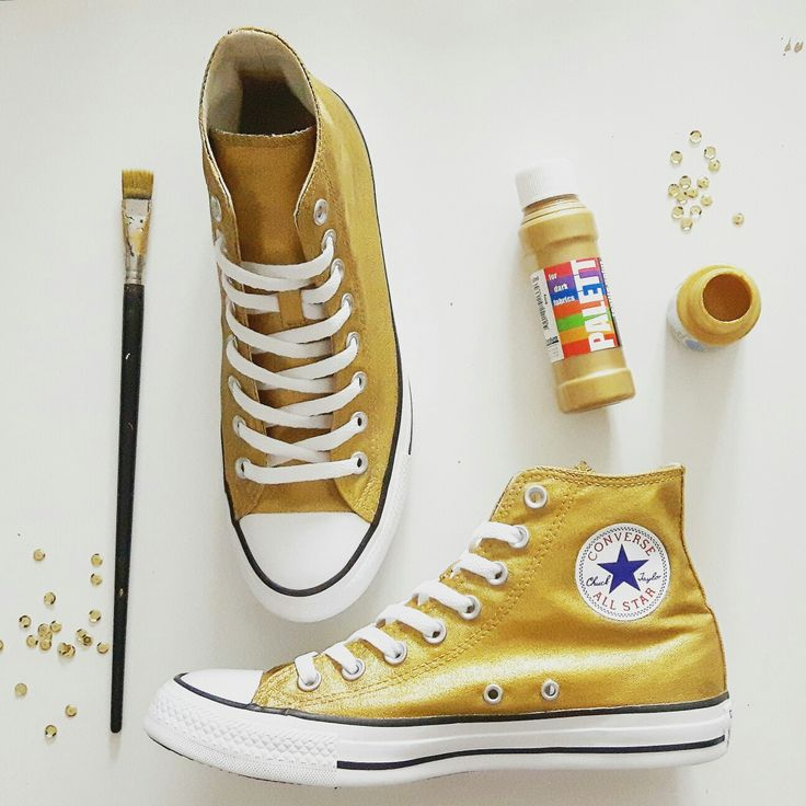 DIY gold glitter converse #weddingshoes