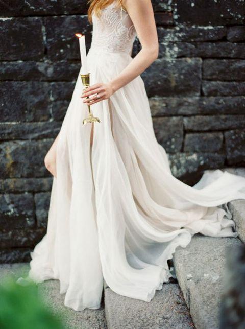 60 Romantic And Airy Flowy Wedding Dresses   HappyWedd.com