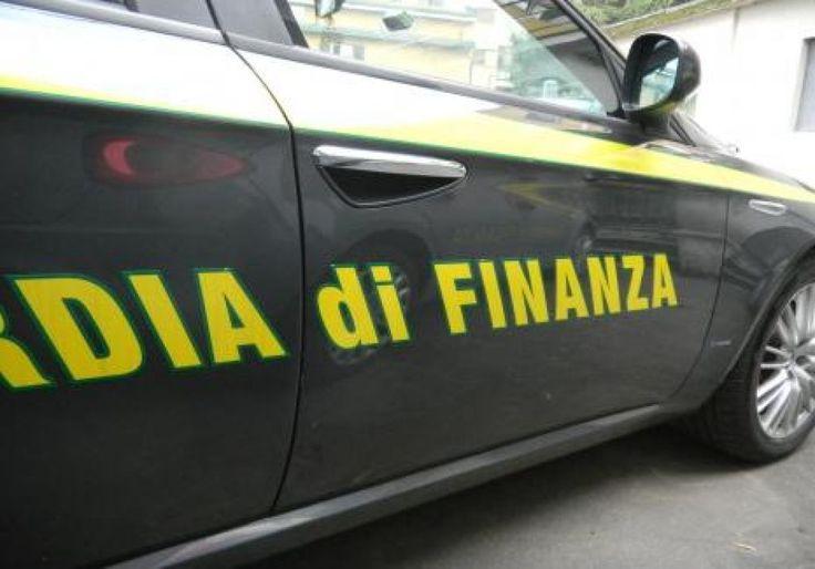 """Vendeva merce contraffatta all'interno dell'Ospedale """"Moscati"""" di Avellino"""